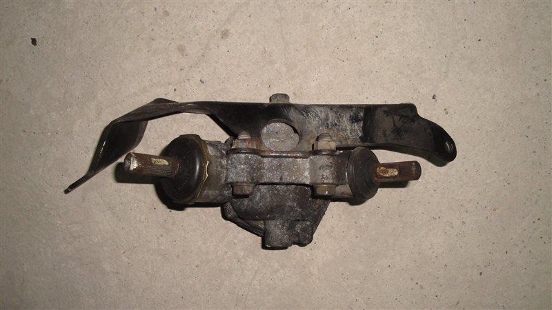 Рулевой редуктор Toyota Hiace KZH100 1994