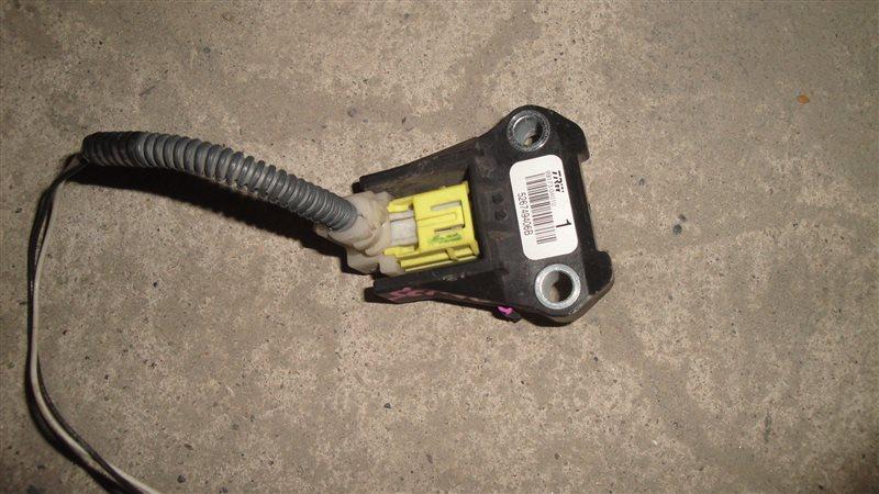 Датчик airbag Toyota Ractis SCP100