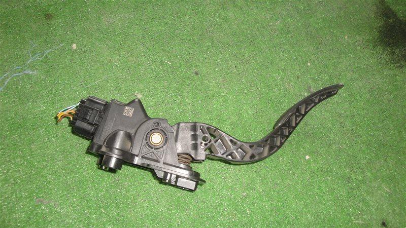 Педаль подачи топлива Mitsubishi Delica D:5 CV5W