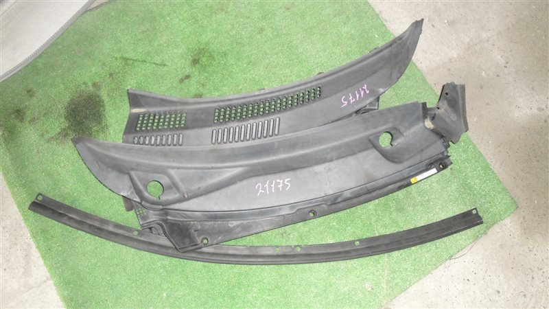 Решетка под лобовое стекло Daihatsu Esse L235S