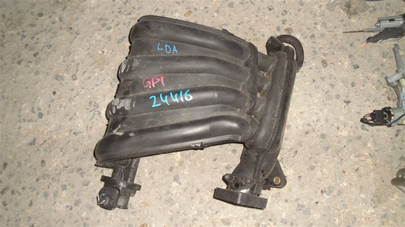 Коллектор впускной Honda Fit GP1 LDA