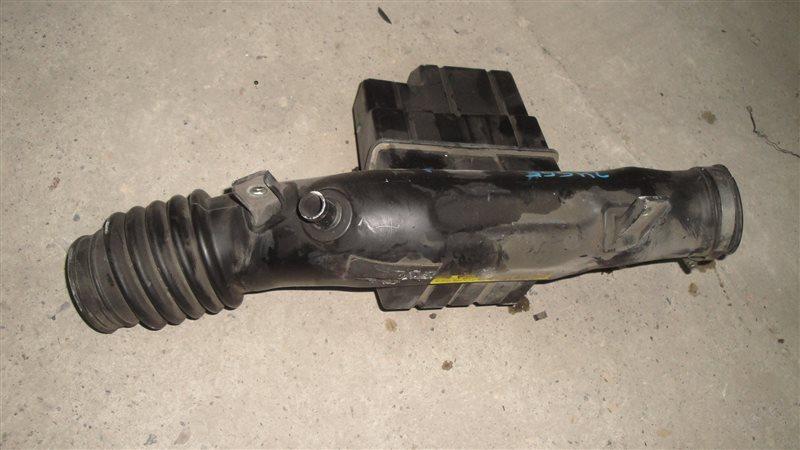 Патрубок воздушн.фильтра Nissan Gloria MY33 VQ25