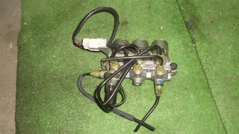 Клапан регулировки подвески Mitsubishi Galant E33A