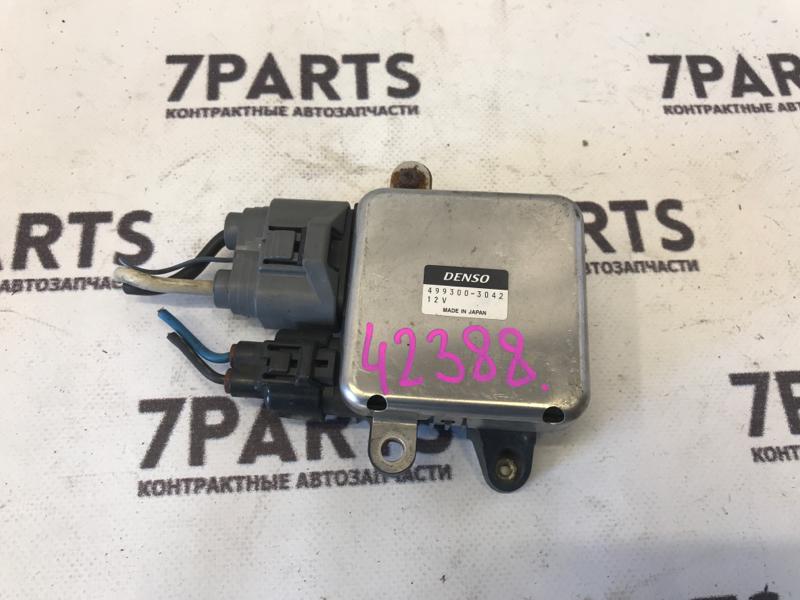 Блок управления вентилятором охлаждения Mitsubishi Grandis NA4W