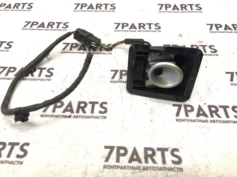 Камера переднего вида Mitsubishi Grandis NA4W передняя правая