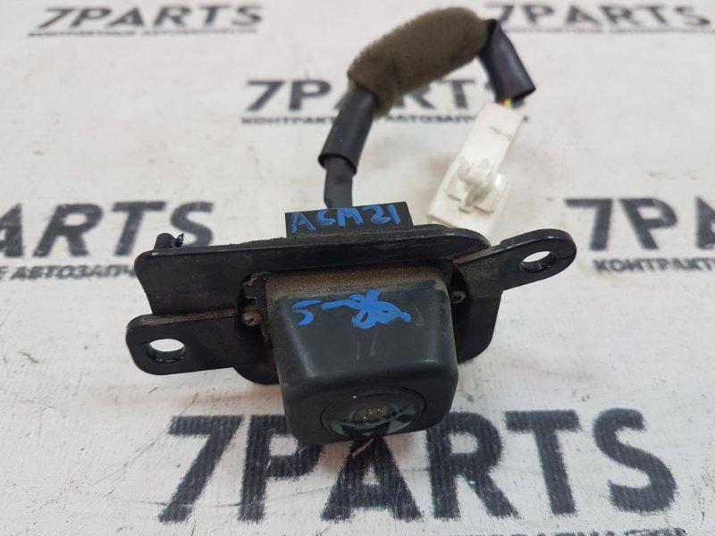 Камера заднего вида Toyota Ipsum ACM21 2AZFE 2004