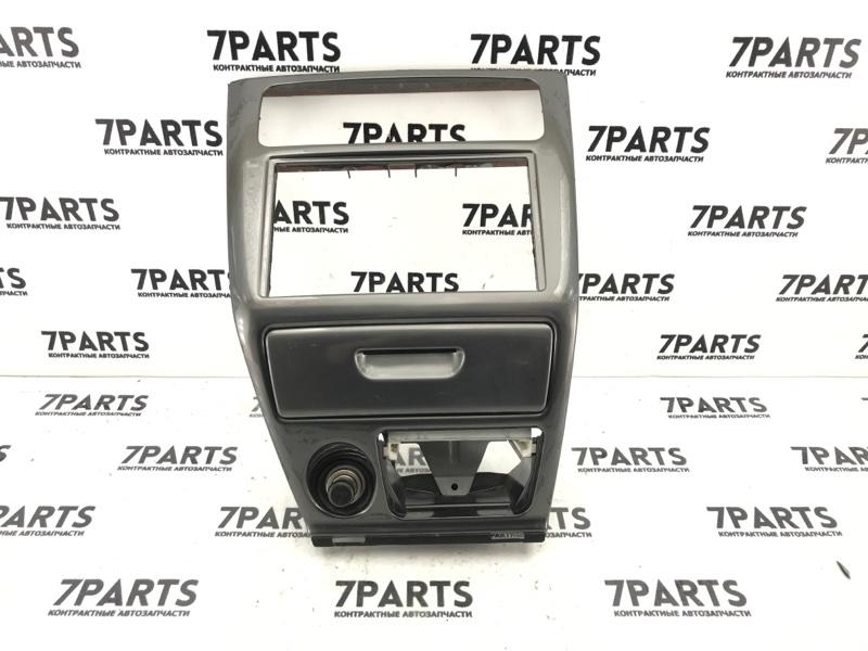 Консоль магнитофона Mitsubishi Galant EA7A 4G94 2001