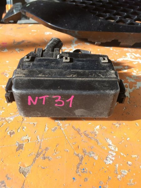 Блок предохранителей Nissan X-Trail NT31 MR20DE