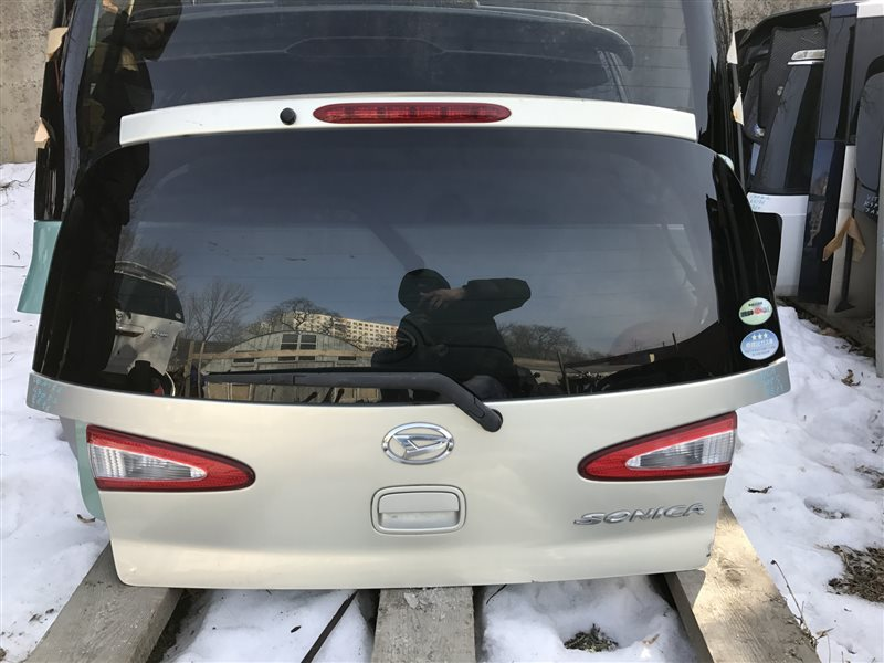 Дверь 5-я Daihatsu Sonica L405S задняя