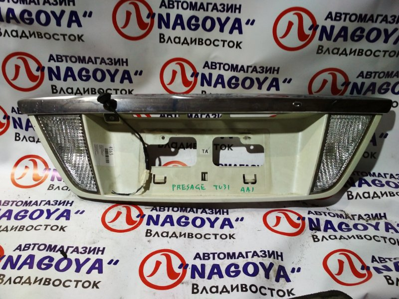 Стоп-вставка Nissan Presage TU31 задняя