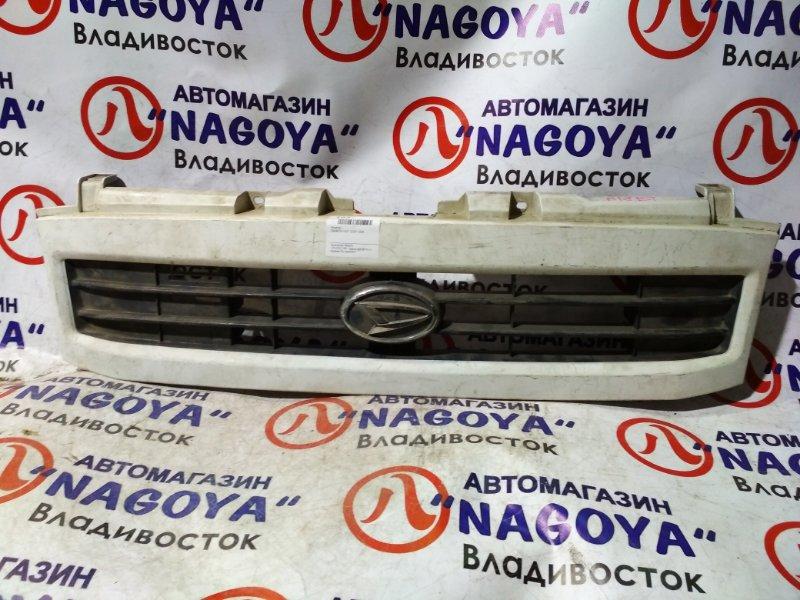 Решетка Daihatsu Hijet S200V 2004 передняя