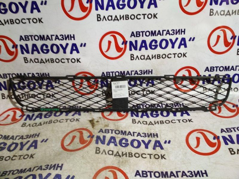 Решетка бамперная Toyota Funcargo NCP21 передняя