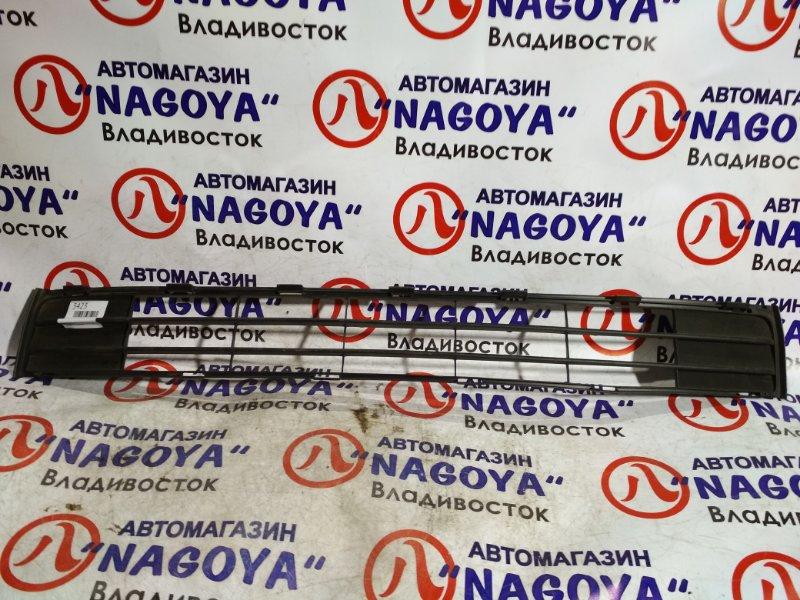 Решетка бамперная Toyota Porte NNP11 передняя