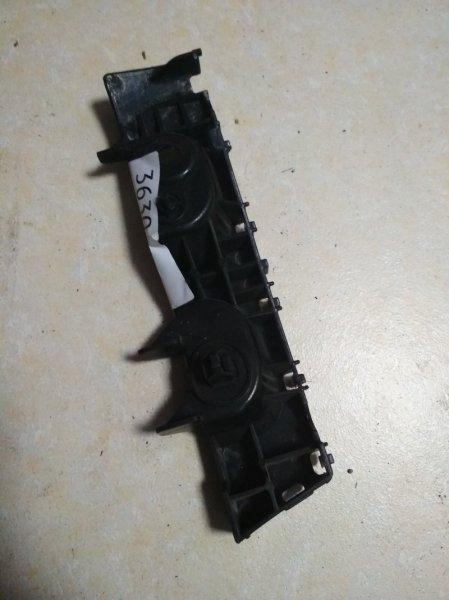Крепление бампера Daihatsu Sonica L405S переднее правое