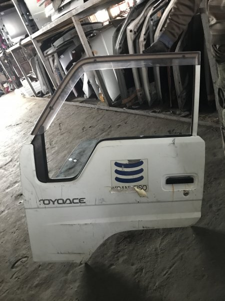 Дверь Toyota Toyoace LY161 передняя левая