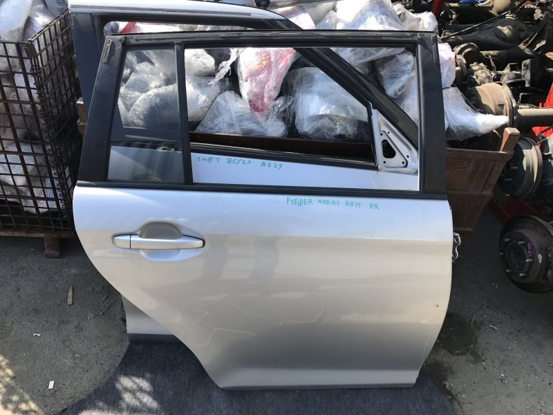 Дверь Toyota Corolla Fielder NZE161 задняя правая