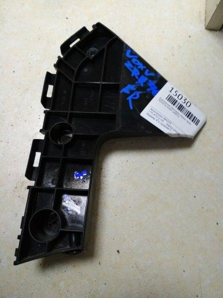 Крепление бампера Toyota Voxy ZRR70 переднее правое 52115-28160