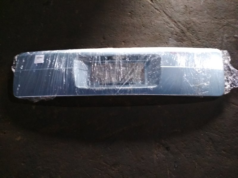 Накладка 5-й двери Nissan Serena TC24 задняя
