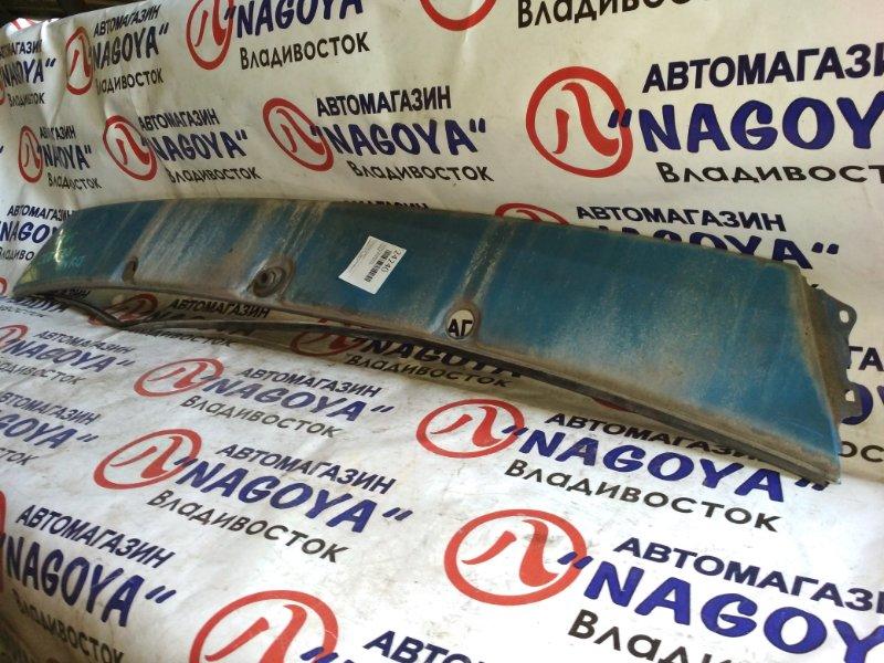 Планка под дворники Toyota Dyna RZY230
