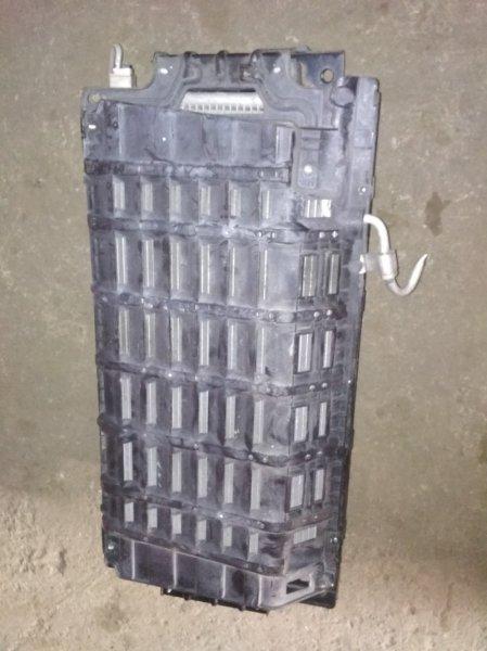 Радиатор кондиционера Nissan Caravan VR2E26