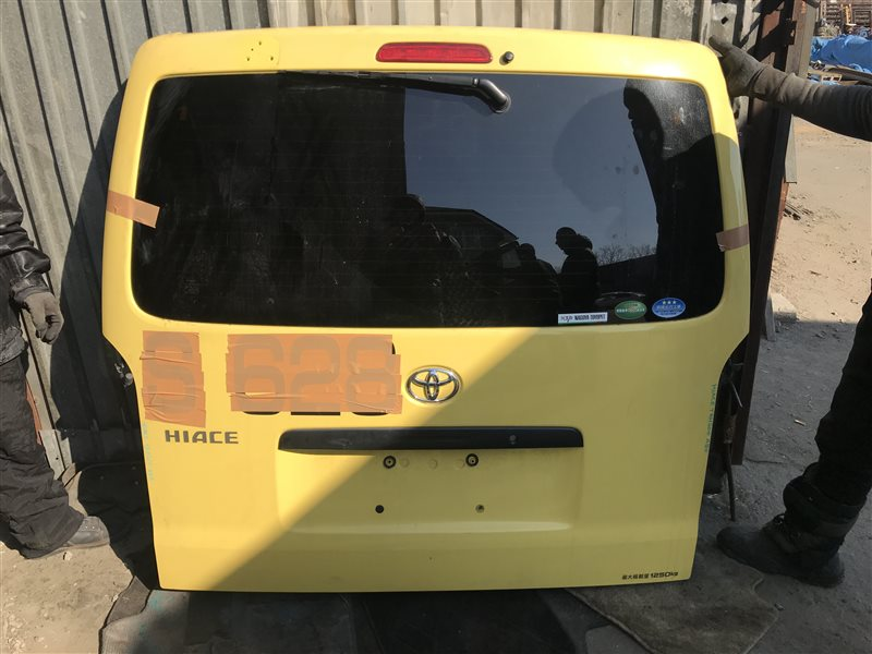 Дверь 5-я Toyota Hiace TRH200 задняя