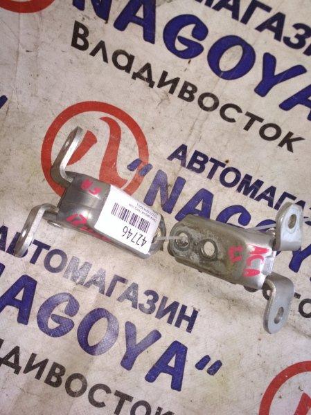 Петля дверная Toyota Rav4 ACA21 передняя правая PARA