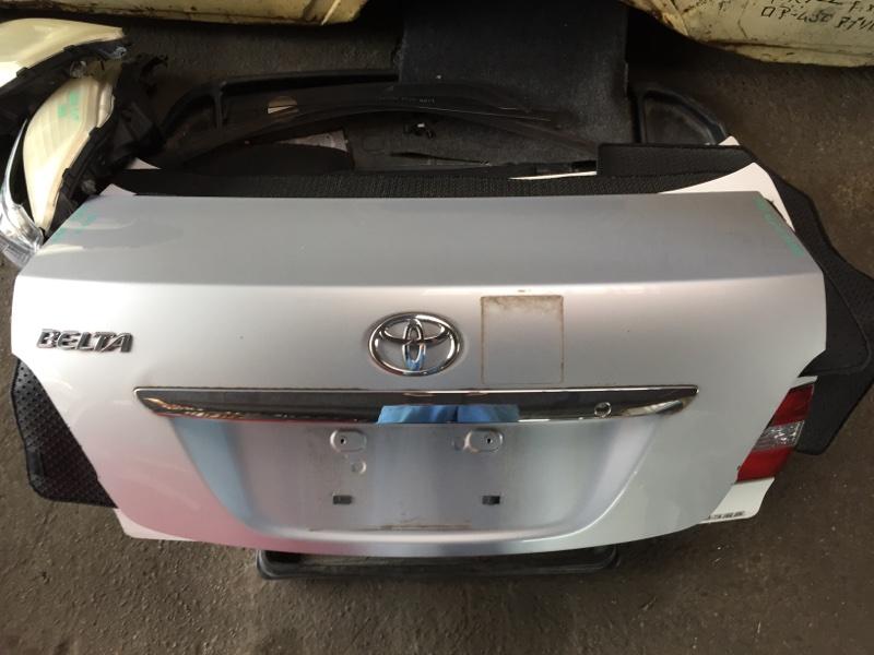 Крышка багажника Toyota Belta SCP92 задняя