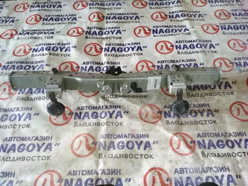 Планка телевизора Toyota Prius Alpha ZVW41 передняя верхняя