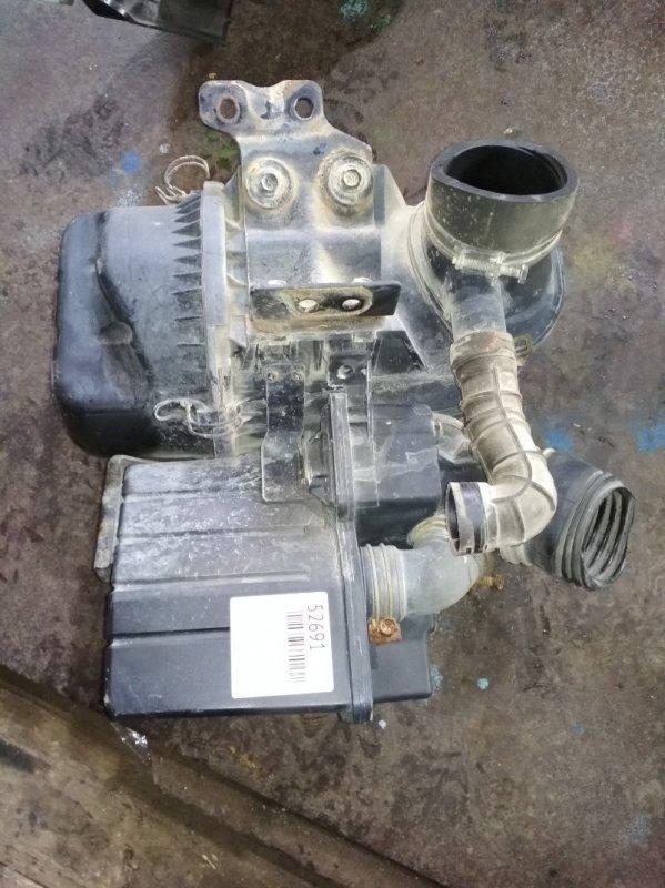 Корпус воздушного фильтра Isuzu Elf NKR66 4HF1