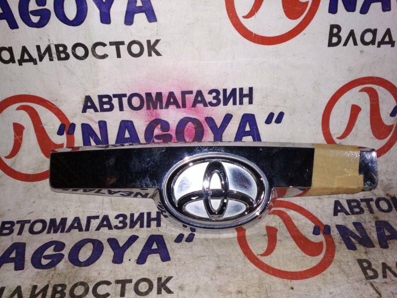 Накладка 5-й двери Toyota Spade NCP141 задняя