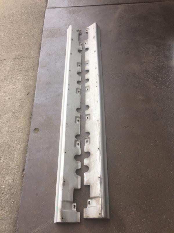 Порог Toyota Sprinter Carib AE111 левый
