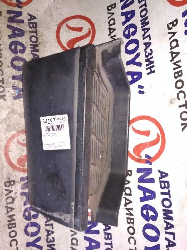 Подножка Toyota Hiace TRH200 передняя правая