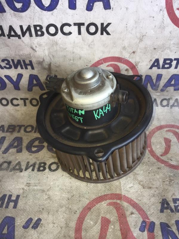 Мотор печки Mazda Titan SYE6T 12 VOLT