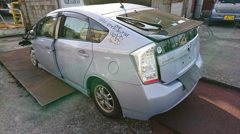 Дверь 5-я Toyota Prius ZVW30 задняя COLOR 8V0