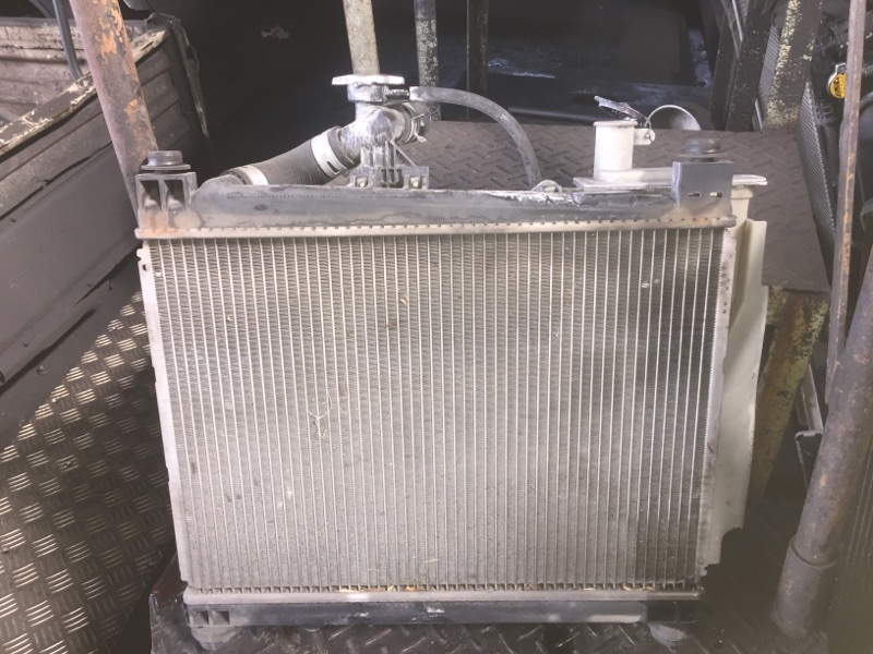 Радиатор основной Toyota Ist NCP60 2NZ-FE A/T