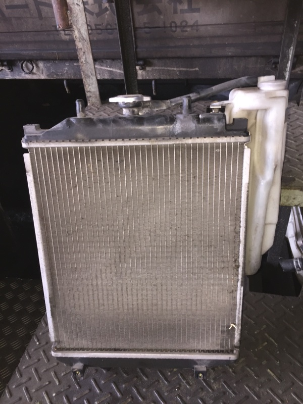 Радиатор основной Toyota Duet M100A EJ-VE A/T