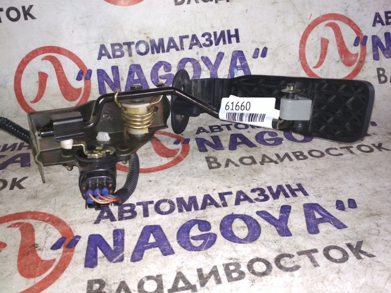 Педаль газа Toyota Celsior UCF30