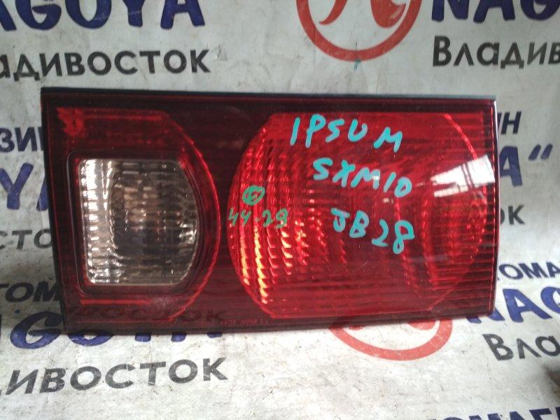 Стоп-вставка Toyota Ipsum SXM10 задняя левая 4429