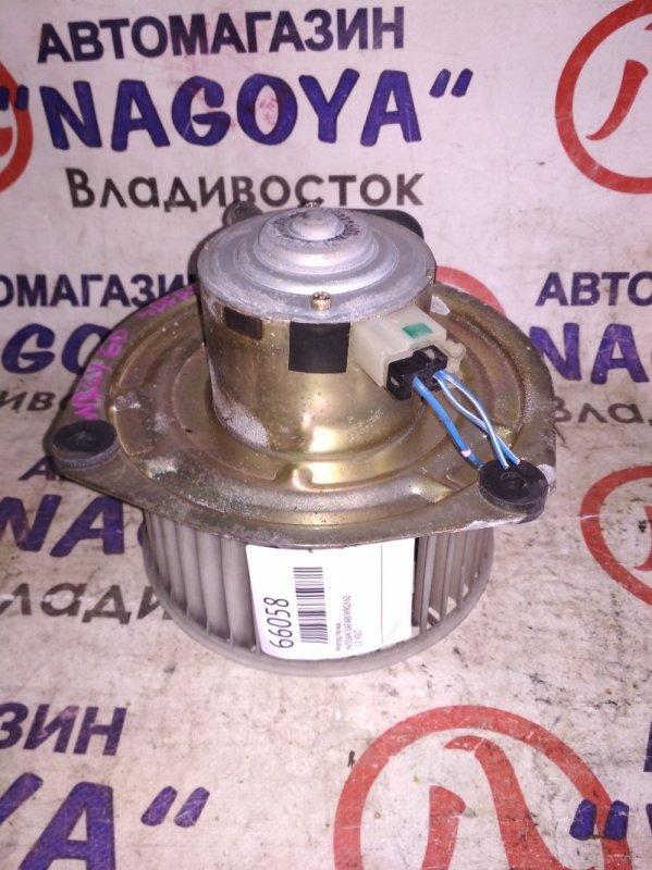 Мотор печки Nissan Safari WRGY60 передний 12 VOLT