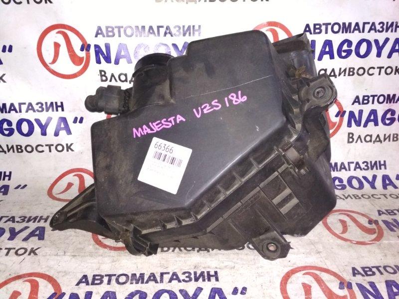 Корпус воздушного фильтра Toyota Crown Majesta UZS186 3UZ-FE 22204-15010