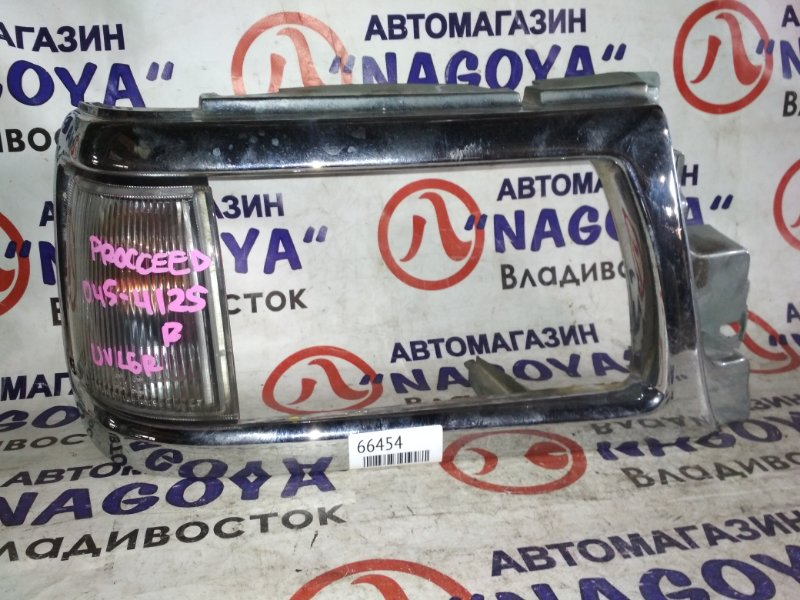 Габарит Mazda Proceed UVL6R передний правый 045-4125
