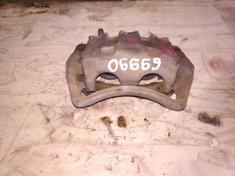 Суппорт Nissan Cedric MY34 передний правый