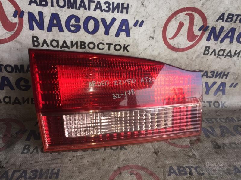 Стоп-вставка Toyota Vista Ardeo ZZV50 задняя левая 32178