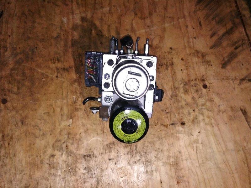 Блок abs Toyota Prius NHW20 1NZ-FXE 44510-47050