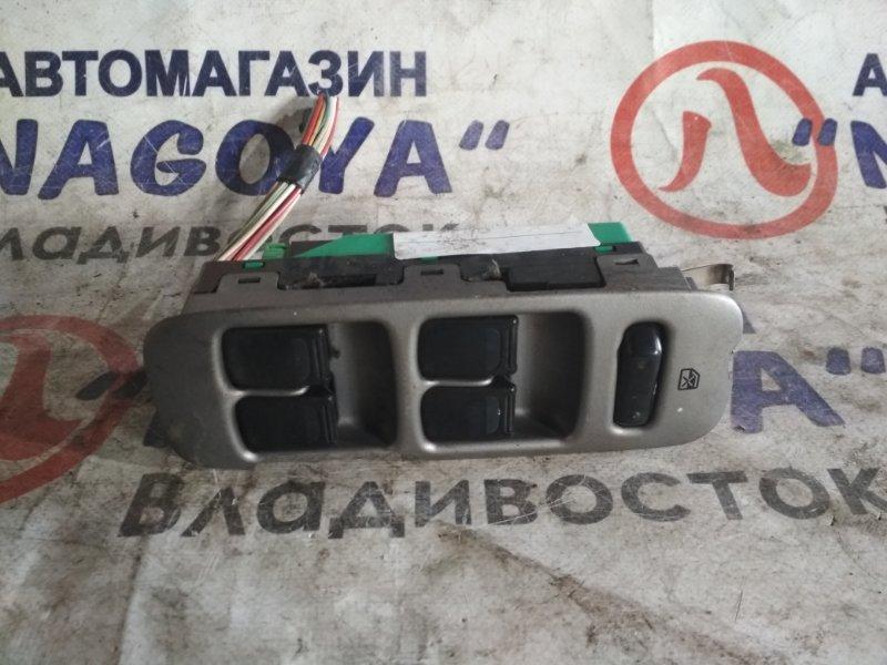 Блок упр. стеклоподьемниками Suzuki Chevrolet Cruze HR81S передний правый