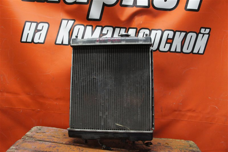 Радиатор Nissan March K11 CG10