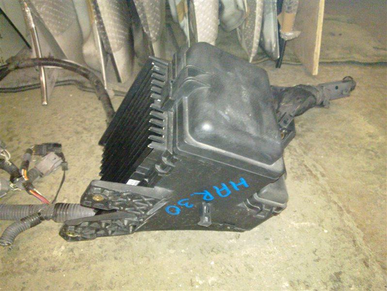 Коробка предохранителей Toyota Harrier ACU30 2006