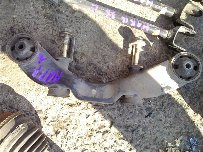 Подушка редуктора Toyota Harrier MCU36 1MZ 2007 задняя