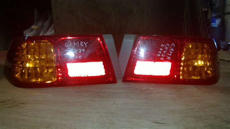 Стоп-сигнал Toyota Gracia SXV20 задний левый