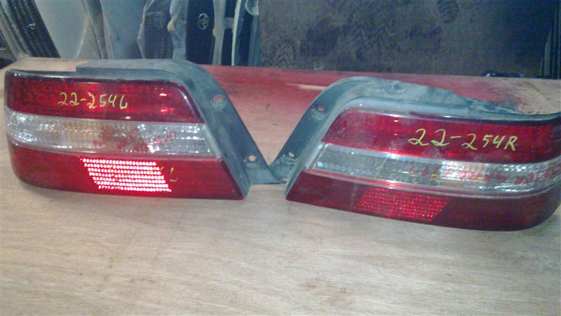 Стоп-сигнал Toyota Chaser GX100 задний левый